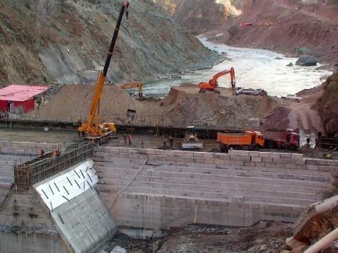Under-Construction-Neelum-Jhelum-Hydro-Electric-Project-Azad-Kashmir